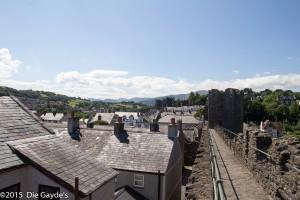 Auf der Stadtmauer in Conwy